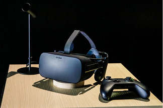 The Oculus Rift VR headset. Every Rift comes with an Xbox One gamepad. James Martin/CNE